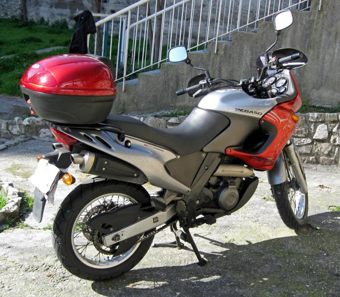 photo de APRILIA PEGASO 655 occasion de couleur  en vente �  Nice