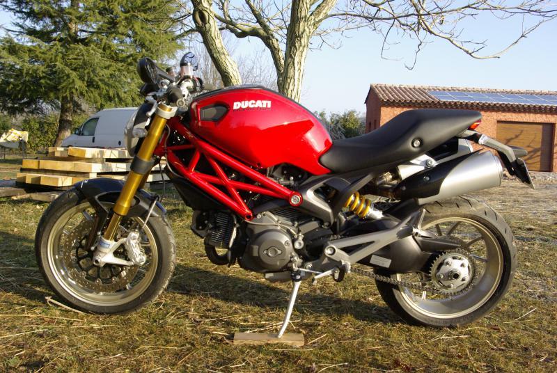 annonce moto ducati 1100 s roadster de 2010 bagnols en foret n 1255710. Black Bedroom Furniture Sets. Home Design Ideas