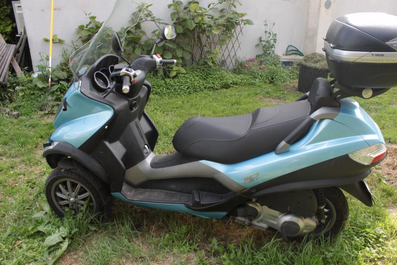 photo de PIAGGIO MP3 125 occasion de couleur  en vente &agrave Andresy n°2