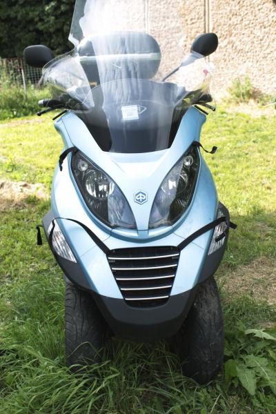 photo de PIAGGIO MP3 125 occasion de couleur  en vente �  Andresy